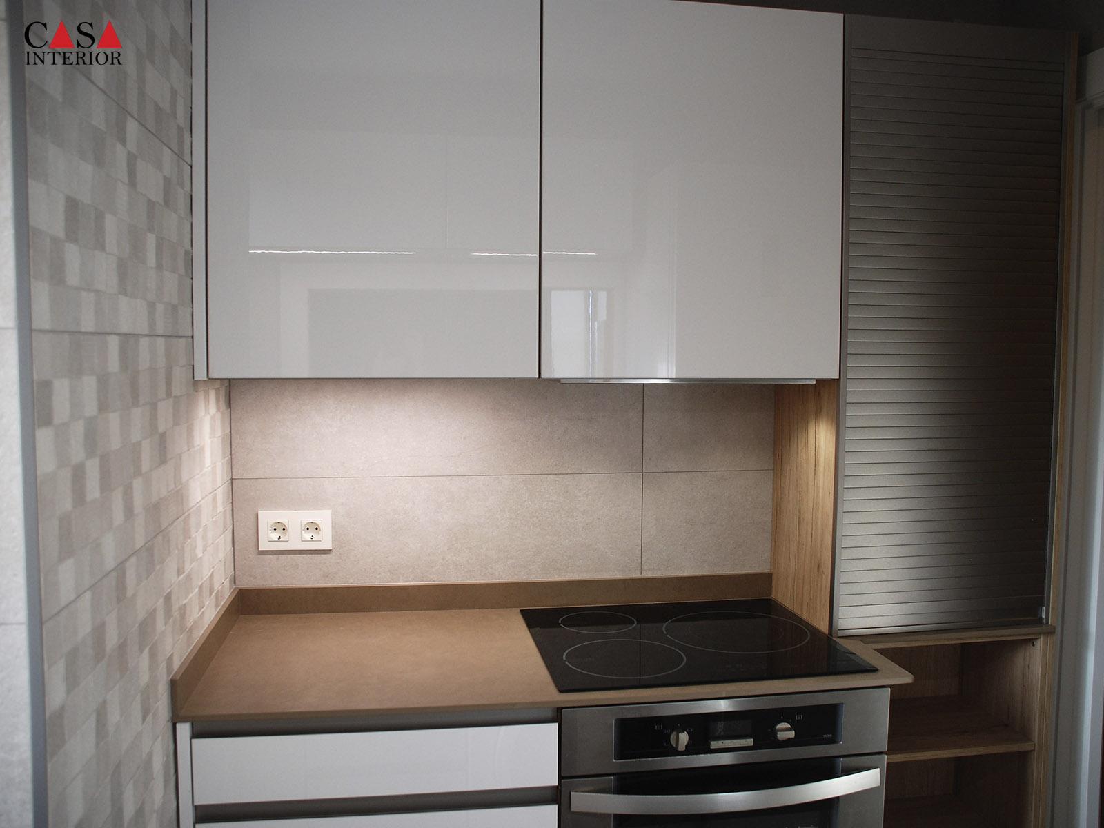 Küchentime Flash Alpine White Gloss in Benidorm